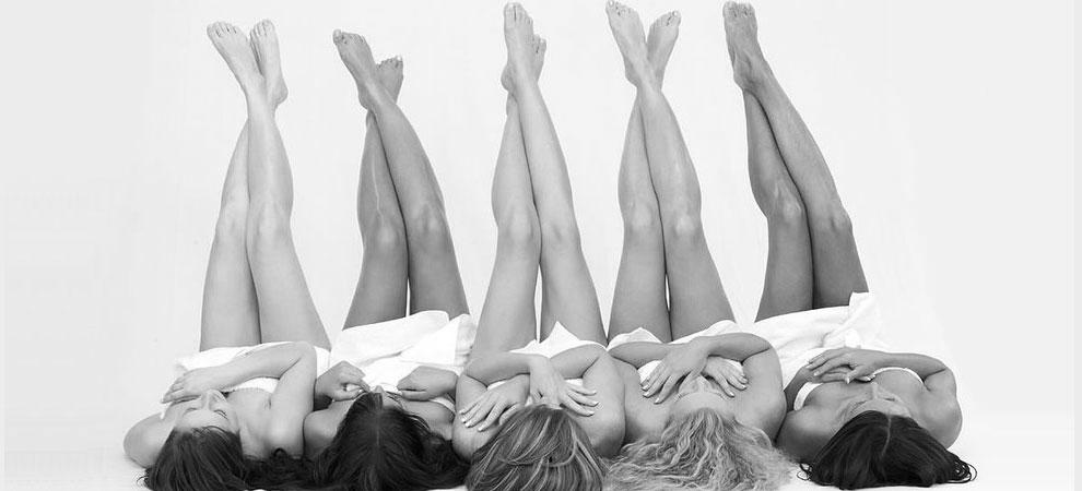 ladies legs in air